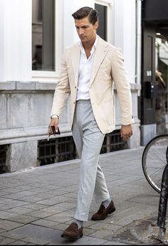 Blazer Outfits Men, Outfits Hombre, Dapper Gentleman, Gentleman Style, Fashion Moda, Mens Fashion, Fashion Outfits, Mens Tailored Suits, Madrid