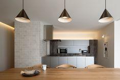 納入事例|キッチンハウス : kitchenhouse|オーダーキッチン・カスタム Table, Furniture, Home Decor, Decoration Home, Room Decor, Tables, Home Furnishings, Home Interior Design, Desk