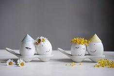 10 DIY-Ideen zum Ostereiergestalten – auch für Kinder! | SoLebIch.de Foto: petit Sourire #solebich #diy #basteln #Geschenke #Dekoration #Wohnen #ideen #einfach #schnell #kleine #selbstgemacht #hacks #Ostereier #ostern #osterdeko #selbermachen #malen #easter #eastereggs