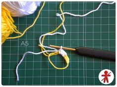 Photo-tutorial: Minion's eye step by step · Foto-tutorial: El ojo de Minion, paso a paso