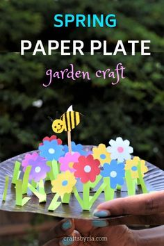 Here is a miniature paper plate garden and moving bee which is a fun spring craft for kids! The colourful flowers in this paper plate garden is a treat to the eyes and the kids will have so much fun moving the bee from one flower to the next. Such a great way to extend their imaginations and work on the motor skills. #springcraftsforkids #beecraft #craftsforkids