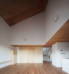 Quad is a minimalist house located in Tokyo, Japan, designed by architecture atelier akio takatsuka. This home resides in the suburbs of Tokyo, which surrounded by vegetable fields and flower gardens. (5)