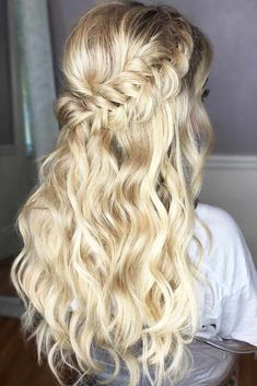 Long Box Braids: 67 Hairstyles To Upgrade Your Box Braids - Hairstyles Trends Box Braids Hairstyles, Prom Hairstyles For Long Hair, Homecoming Hairstyles, Down Hairstyles, Amazing Hairstyles, Bridesmaid Hairstyles, Hairstyles 2018, Funky Hairstyles, Hairdos