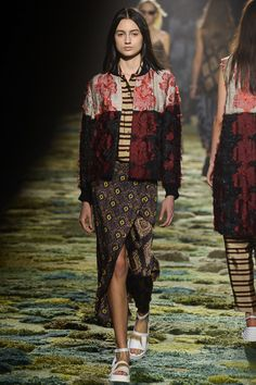 Dries Van Noten Spring 2015 Ready-to-Wear - Collection - Gallery - Look 3 - Style.com