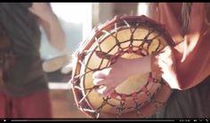 Laboratorium Pieśni, creado no 2013. O grupo canta música tradicional en moitas linguas: ucraínos, dos Balcáns e de Polonia, pero o repertorio tamén inclúe cancións xeorxiano, ruso, Scandinavian, Bielorrusia, albanés e moitos outros.