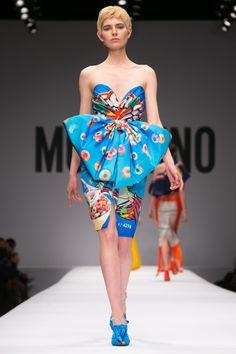 Moschino Ready To Wear Fall Winter 2014 Milan - NOWFASHION