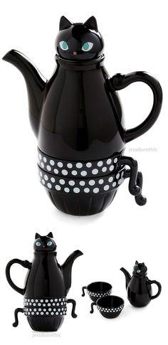 Cat teapot and tea cup set