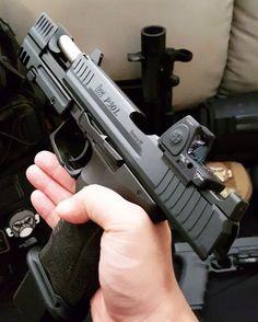 Guns, Wristwatches, Cars And History — celtic-tactical: taktisk: . Weapons Guns, Guns And Ammo, Armas Ninja, Heckler & Koch, Shooting Guns, Custom Guns, Military Guns, Cool Guns, Survival Gear