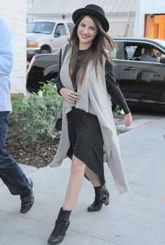 Maite Perroni andando por Los Angeles (09.02.16) - 1001961 349x519 61 - Galeria MaiPerroni Divas, Spider Girl, Fashion Outfits, Womens Fashion, Get The Look, Role Models, Girl Power, Selena, Beautiful Pictures