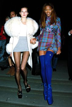 Kate Moss & Naomi Campbell leaving the 1991 London Fashion Week Designer Of The Year Awards is too good. Just look at that coat! Foto Fashion, Fashion Kids, Fashion Models, Fashion Trends, Fashion Designers, High Fashion, Cheap Fashion, Fashion Styles, Street Fashion
