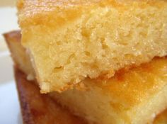 BIBINGKA - FILIPINO DESSERT Recipe - Cornbread Bibingka - sub Mochiko for part rice flour part cornmeal and add creamed corn. Butter with sugar after taking out of the oven, then back in to let the sugar caramelize a bit Filipino Dishes, Filipino Desserts, Asian Desserts, Filipino Recipes, Filipino Food, Asian Recipes, Hawaiian Desserts, Pinoy Food, Ethnic Recipes