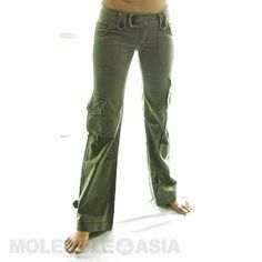 In Molecule's Himalayan Hipster Pants you'll be as comfortable hiking the Himalayas as checking out trendy cafés in durable, stylish, hip-hugging beauties with loose-legged, airy freedom and extra pockets. Hipster Pants, Cargo Pants Women, Overalls, Shorts, Short Skirts, Fit Women, Black And Grey, Khaki Pants, Himalayan