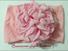 Flor grande de tela super económica y muy vistosa VIDEO No.540 creaciones rosa isela - YouTube Easy Fabric Flowers, Fabric Flower Tutorial, Rose Tutorial, Crafts To Make, Arts And Crafts, Baby Hair Bands, Diy Hair Bows, Elegant Flowers, Crochet Hat Patterns