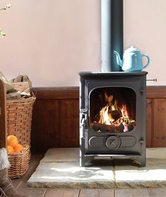 DESCRIPTION: Charnwood's original range of traditional wood and multi-fuel burning appliances.Our Country stoves have acquired an excellent reputation over the years having been installed in tens of thousands of homes across the globe. The Country 4 is the smallest model … Multi Fuel Stove, Wood Burner, Single Doors, Over The Years, Home Appliances, Traditional, Stoves, The Originals, Country