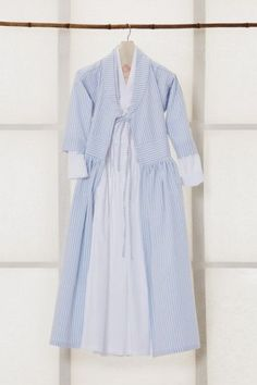2015 차이킴tchaikim : 네이버 블로그 Asian Fashion, Hijab Fashion, Fashion Outfits, Womens Fashion, Diy Dress, Dress Skirt, Modern Hanbok, Fashion Vestidos, Korean Dress