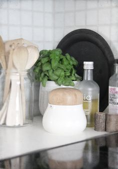 Love the sharp, cleanness of this! ....and of course the basil <3