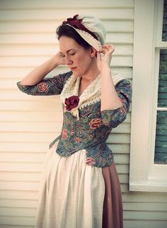 Swallowtail jacket from Costume Close-Up, by Jen Thompson. 18th Century Dress, 18th Century Costume, 18th Century Clothing, 18th Century Fashion, 19th Century, Historical Costume, Historical Clothing, Vintage Dresses, Vintage Outfits