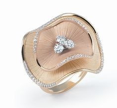 Anna Maria Cammilli - In Photos: Top Italian Jewelry Designs from VicenzaOro Cute Jewelry, Bridal Jewelry, Unique Jewelry, Jewelry Sites, Jewelry Trends, Diamond Jewelry, Gold Jewelry, Jewellery Rings, Black Jewelry