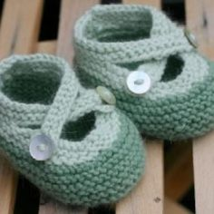 Knit Baby Booties {Free Pattern}