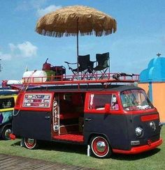 Now this VW camper takes the win for the party of the campground! We'd go camping in this anytime! Volkswagen Bus, Vw Camper, Volkswagen Transporter, Vw Caravan, Vw T1, Volkswagen Beetles, Volkswagon Van, Camper Life, Camping Car Integral