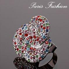Anillo ajustable en color plata antigua con piedras de colores. #tiendaonline #moda #fashion #anillo
