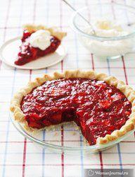 Летний пирог с клубникой