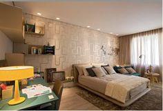 Couro é destaque na decoração do quarto de jovem estudante de moda