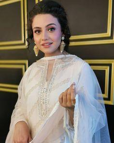 "Hot Pakistani Actresses 🇵🇰, [Apr 2020 at AM] Cute Tiny Bitch ""Hina Altaf"" Queen of My Dick Pakistani Bridal Makeup Hairstyles, Saree Hairstyles, Pakistani Dress Design, Pakistani Dresses, Cute Celebrities, Celebs, Girl Fashion, Fashion Dresses, Hijab Fashionista"