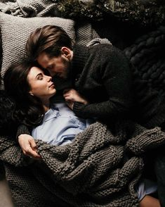 Being in Love is the Best Feeling in The World get some inspirations from these inspirational love pictures; Photo Couple, Love Couple, Couple Goals, Love Photos, Love Pictures, Couple Pictures, Relationship Goals Pictures, Cute Relationships, Couple Posing