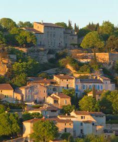 Château la Roque : le village