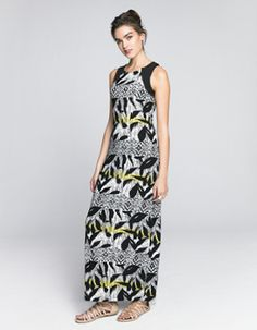 From the coveted maxi to the versatile tunic and stylish shift, a woman can never have too many dresses in her wardrobe. Dress Clothes For Women, Dresses For Work, Tunic, Printed, Stylish, How To Wear, Fashion, Moda, Tunics