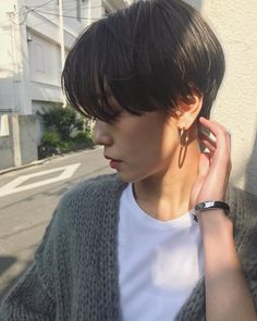 thin hairstyles hairstyles for over 50 hairstyles 2018 thin hairstyles with bangs thin hairstyles thin hairstyles thin hairstyles thin hairstyles Korean Short Hair, Short Thin Hair, Short Hair With Bangs, Girl Short Hair, Short Hair Cuts, Thin Hair Styles For Women, Hair Styles 2016, Medium Hair Styles, Short Hair Styles
