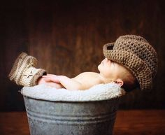 Cute newborn pic idea