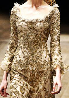 Fuck Yeah Fashion Couture | Alexander McQueen Fall/Winter 2006