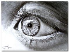 Diego Fazio, un artista de 22 años que vive en Italia , originalmente era un artista de tatuaje y ha desarrollado una habilidad increíble para hacer dibujos fotorrealistas.