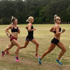 the female form when associated with sport and fitness Fitness Motivation, Fit Girl Motivation, Running Motivation, Fitness Goals, Running Inspiration, Fitness Inspiration, Pilates, Six Pack Abs Workout, How To Start Running