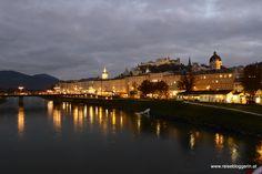 Salzburg bei Nacht #salzburg Paris Skyline, New York Skyline, Hotels, Travel, Travel Report, Travel Inspiration, Travel Advice, Night, City
