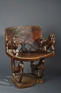 Africa | Prestige chair from the Benin | Wood | Image ©Michel Renaudeau