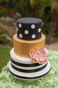 Black and gold wedding cake- Kate Spade style!