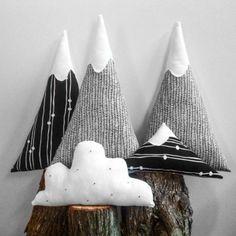 coussin nuage, sommets décoratifs, paysage d'hiver