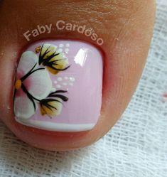 35 modelos de unhas com esmaltes rosa. Pretty Pedicures, Pretty Toe Nails, Cute Toe Nails, Pretty Nail Art, Toe Nail Art, Nails & Co, Hair And Nails, My Nails, Toe Nail Designs