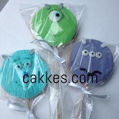 cakkes.com: Pirulitos de Biscoitos - Tema Monstros S.A.