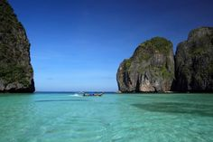 Maya Bay, Ko Phi Phi, Krabi Krabi, Rock Climbing, Thailand Travel, Kos, Perfect Place, Maya, Trips, Relax, Landscape