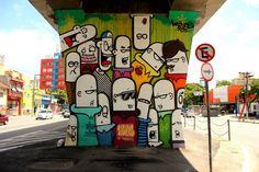 O MAAU (Museu Aberto de Arte Urbana) nasce para expor a aceitação do graffiti como uma arte que já faz parte da cidade. O projeto inédito, idealizado pelos artistas urbanos Chivitz e Binho, deu vida a uma verdadeira galeria de arte pública presente na Av. Cruzeiro do Sul, Zona Norte de São Paulo.    São 66 painéis criados por mais de 50 artistas. Vale a pena conferir de perto, enquanto isso, aprecie Locones!