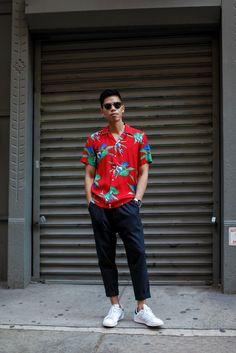 Menswear & Personal Style By Anthony Urbano - Page 3 Cool Hawaiian Shirts, Fashion Moda, Mens Fashion, Hawaii Outfits, Tropical Outfit, Hawaii Style, Moda Blog, Summer Outfits Men, Men Summer