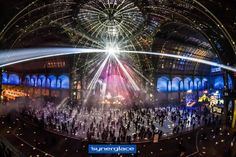 Grand Palais   Patinoire mobile by Synerglace Du 14 décembre 2016 au 2 janvier 2017, le Grand Palais abritait la plus grande patinoire éphémère jamais créée en France pour patiner dans un lieu magique et c'est bien sûr une réalisation Synerglace