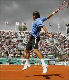 """""""An artist is nothing without his brush"""" -Roger Federer"""