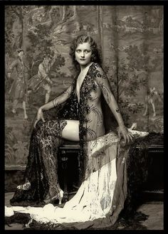 Anne (Anna) Lee Patterson - 1930 - Ziegfeld Girl - Photo by Alfred Cheney Johnston