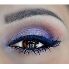 Winged liner, purple and copper eye makeup Copper Eye Makeup, Eyebrows, Eyeliner, Evening Makeup, Winged Liner, Dark Colors, Colours, Beauty Hacks, Beauty Tips