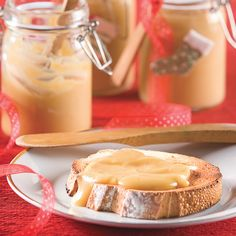 Délectable tartinade à l'érable Bread Recipes, Cookie Recipes, Dessert Recipes, Maple Syrup Recipes, Bon Dessert, Canadian Food, Bread Cake, Something Sweet, Sweet Treats